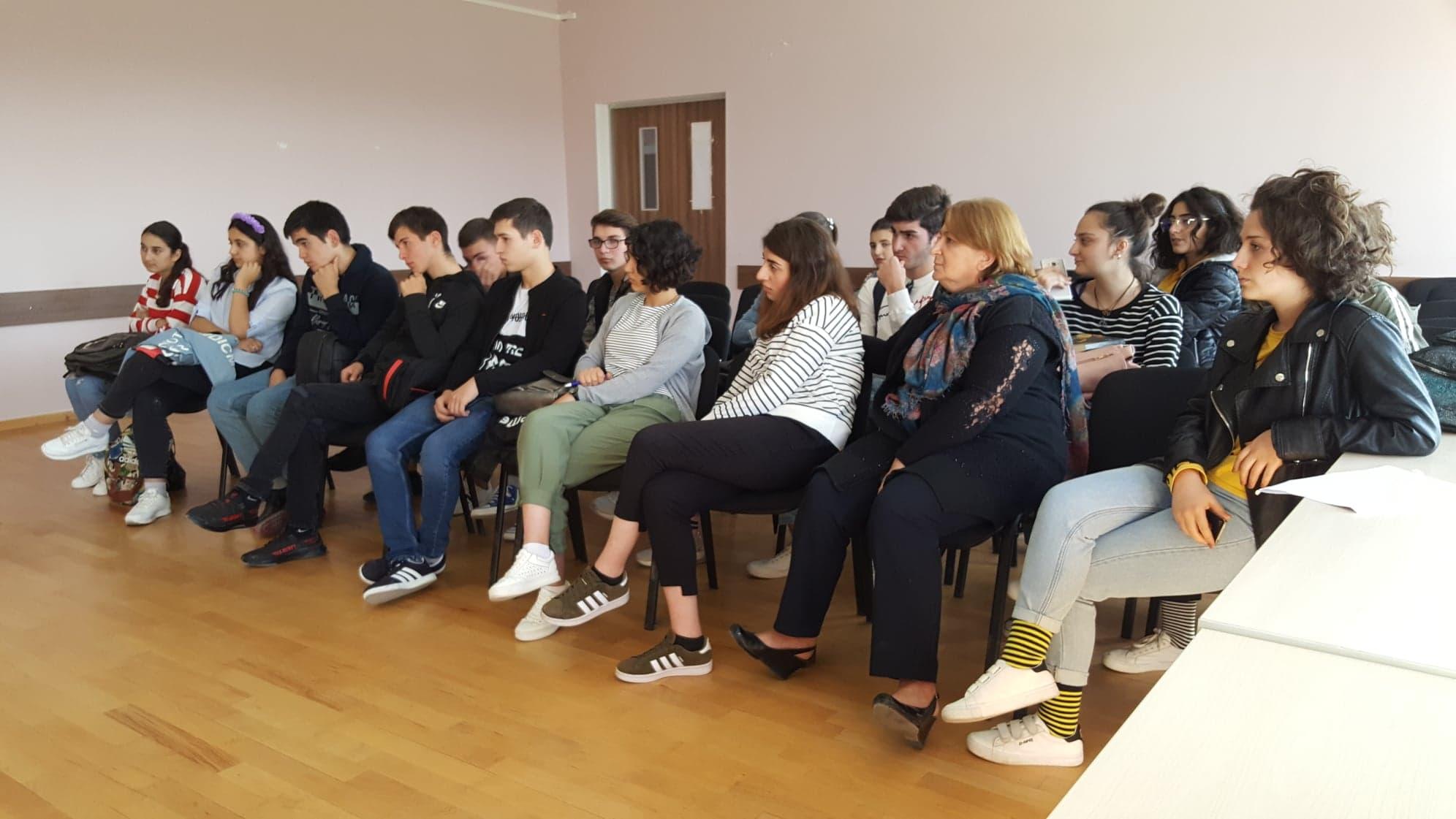 საინფორმაციო შეხვედრა ტყვიავის საჯარო სკოლაში