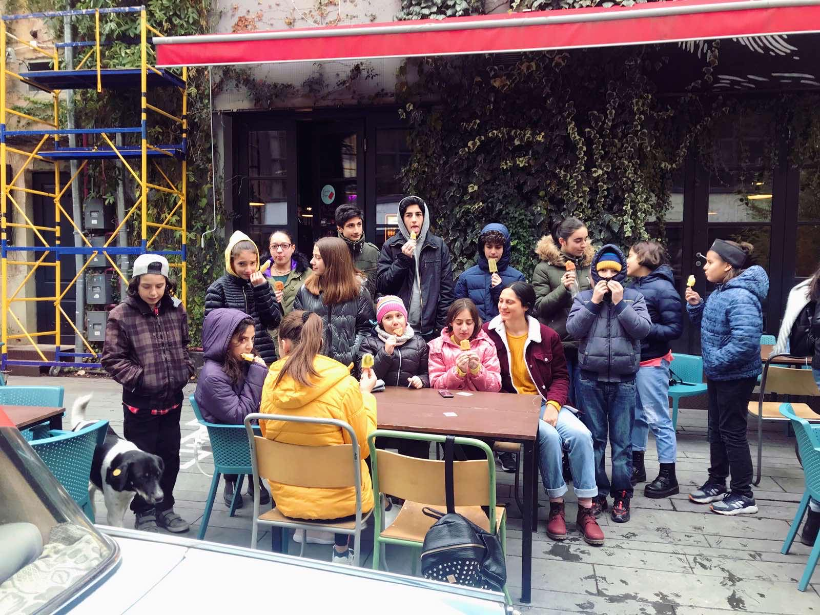 მოსწავლეები მეწარმე მარიამ ჭუმბურიძეს შეხვდნენ