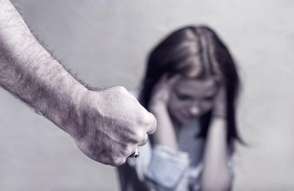 ქალთა მიმართ მოძალადეებს ზედამხედველობას ელექტრონული სამაჯურით გაუწევენ