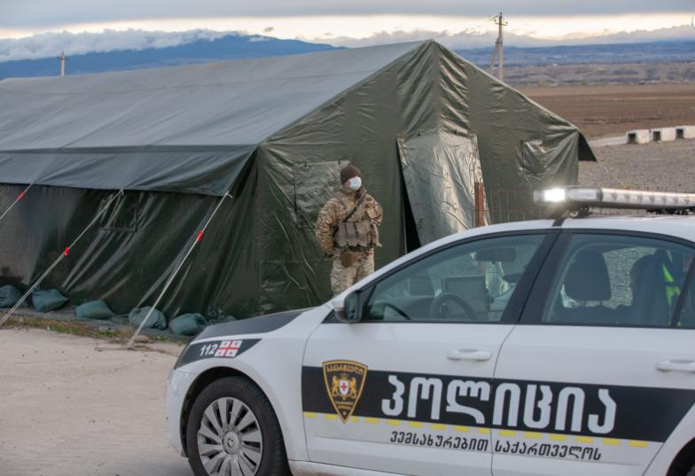 EMC პოლიციას თემზე და ადამიანის უფლებებზე ორიენტირენული მუშაობის გაძლიერებისკენ მოუწოდებს