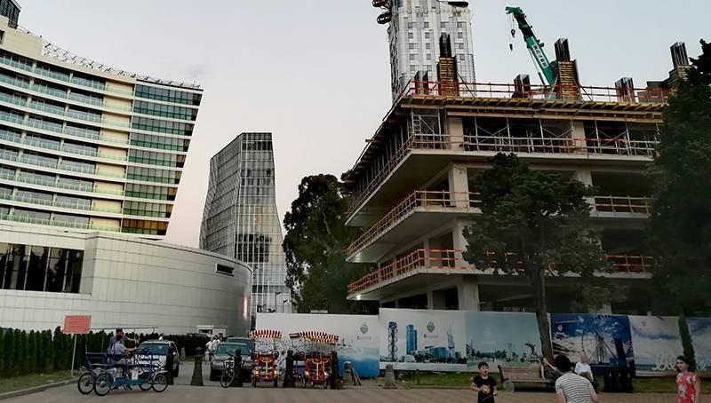 """""""ბათომი"""" და EMC ბულვარში სასტუმროს მშენებლობაზე გაცემულ ნებართვას ასაჩივრებენ..."""