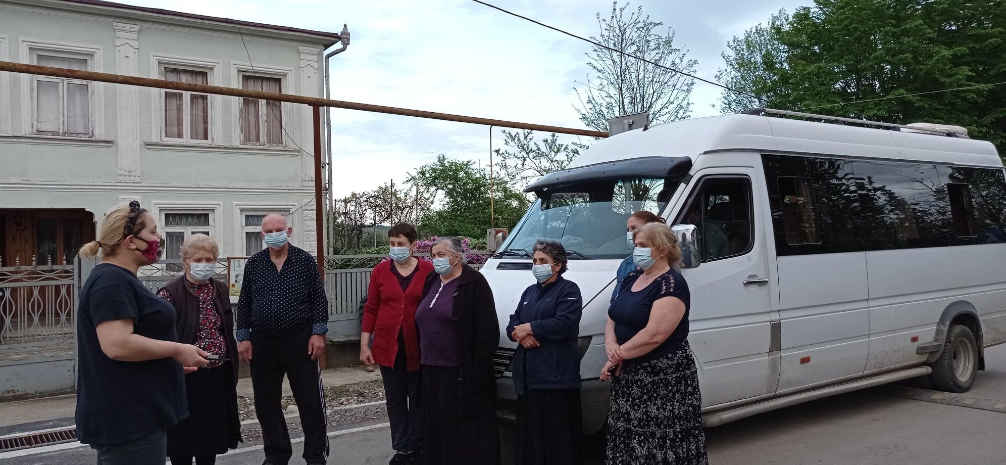 ლაზის და დარასელიას ქუჩის მაცხოვრებლებს სამარშუტო ტაქსი მოემსახურება